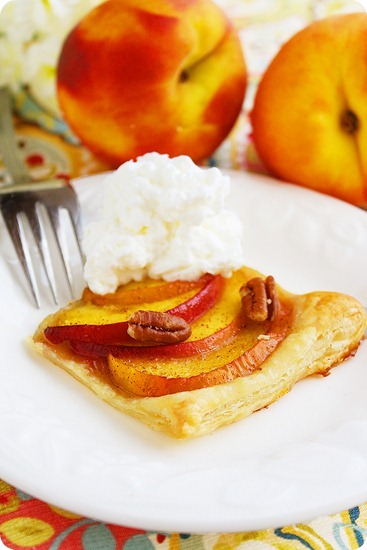 Texas Peach and Pecan Tart – Puff pastry tarts with chopped pecans are flaky, buttery and full of Southern sweetness! | thecomfortofcooking.com