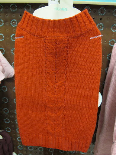 And this cable sweater is very chic and stylish.