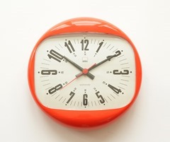 "SHG ""quartzmatic"" wall clock, made in Germany"