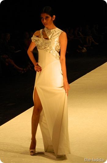 Tiana Continibali - AGFW Fashion Show 2012 (6)