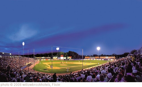 'Kane County Cougars Minor League Baseball' photo (c) 2008, willowbrookhotels - license: https://creativecommons.org/licenses/by/2.0/
