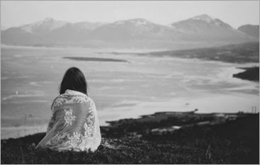 alone-lonely-girl-beautiful-sad-waiting-seaside