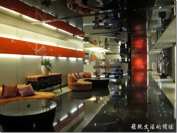 台北凱薩飯店的大廳。