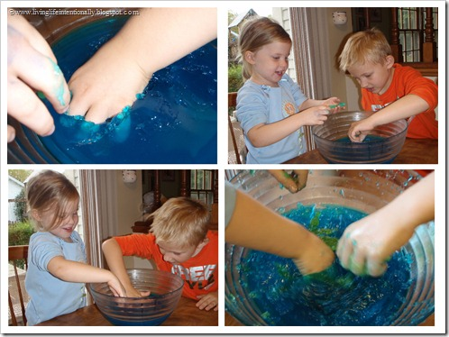 Sensory Tub - Jello (LivingLifeIntentionally.blogspot.com)