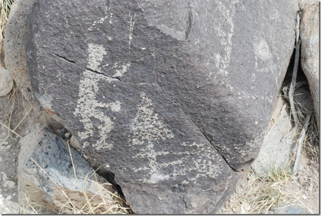04-12-13 A Three Rivers Petroglyph Site 051