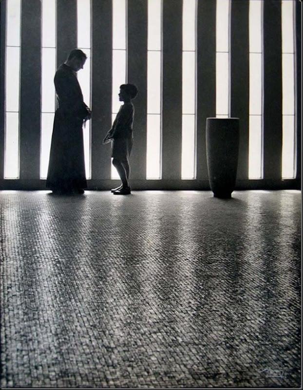 © Eduardo Gageiro, 1968, Igreja de Moscavide