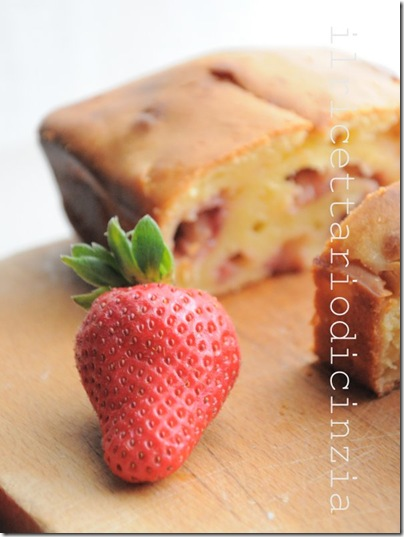 torta di yogurt greco e fragole light