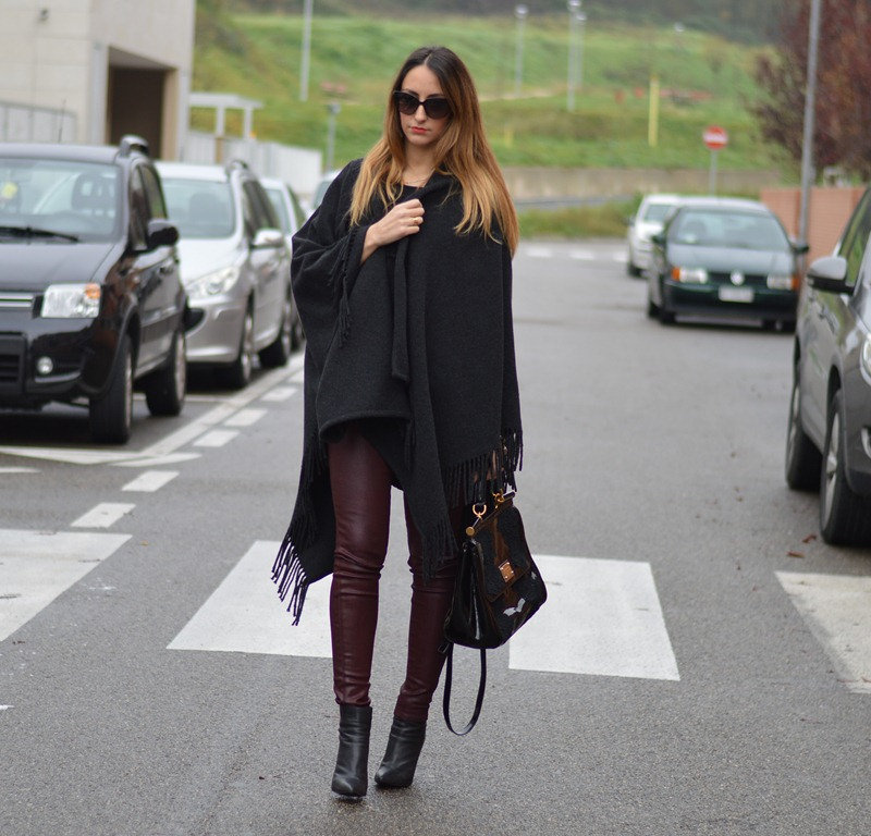 Burgundy, Rinascimento, Cappa Rinascimento, Cappotti di Rinascimento, Zara, Zara shoes, Scarpe di Zara, Miss Sicily, Dolce & Gabbana bag, fashion blogger, fashion blogger italiane, fashion blogger firenze, true Religion pants, True Religion, Burgundy pants