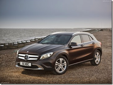 Mercedes-Benz-GLA_UK-Version_2015_1600x1200_wallpaper_04