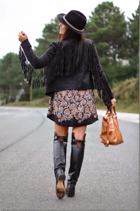 http://anouckinhascloset.blogspot.com.es/2014/10/un-vestido-con-muchas-posibilidades.html