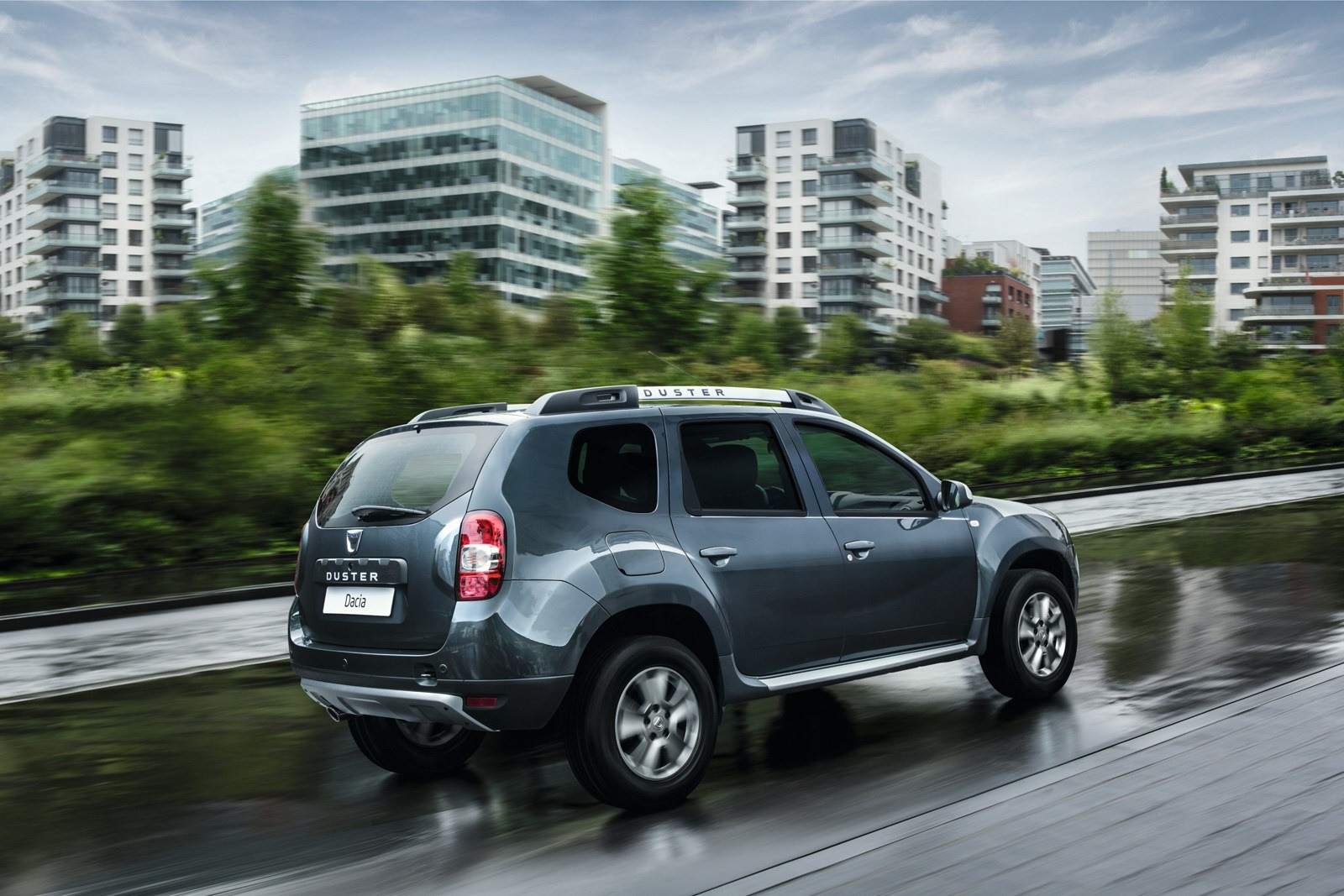 2012 - [Dacia] Duster restylé - Page 7 Dacia-Duster-facelift-3%25255B2%25255D