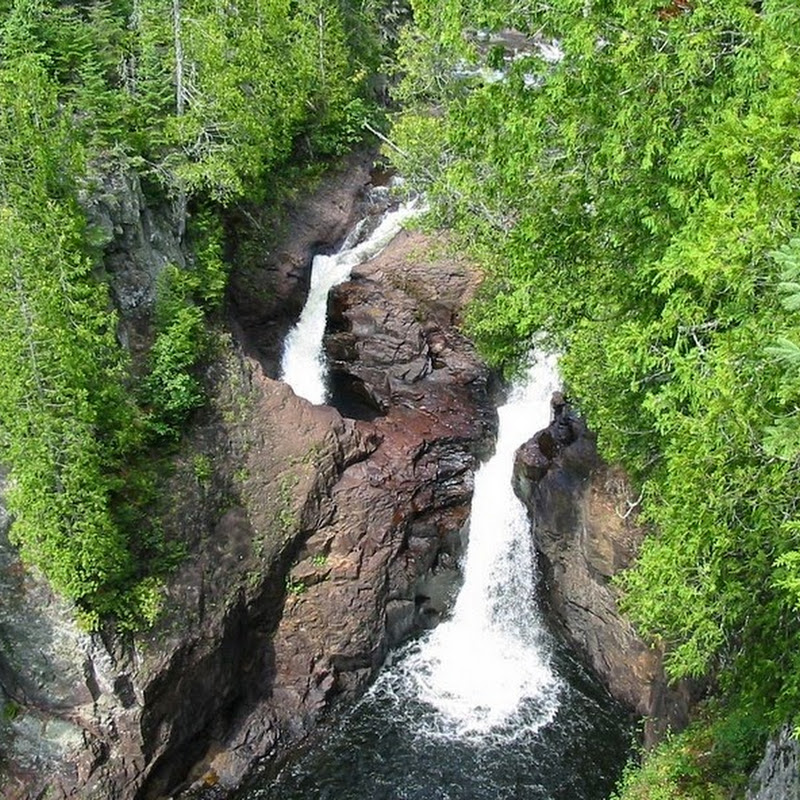 Devil's Kettle: A Mysterious Waterfalls
