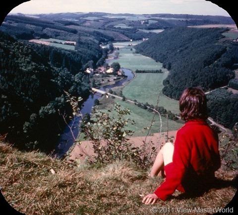 View-Master Belgium (B188), Scene 10: Ourthe River at La Roche