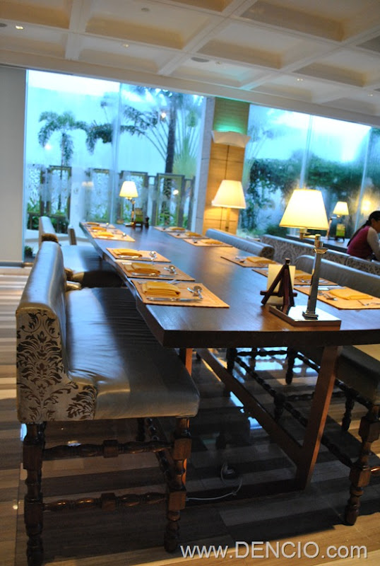 Cafe Ilang Ilang Buffet Manila Hotel 099