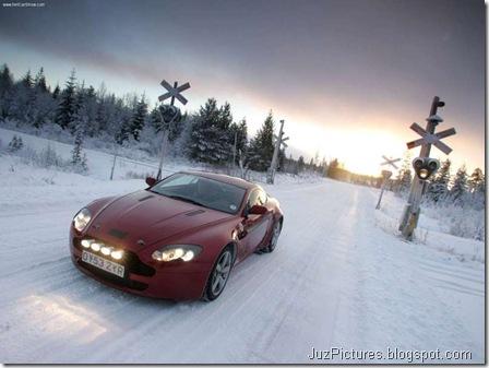 Aston Martin V8 Vantage5
