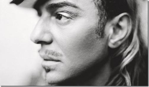 John-Galliano-colaborara-con-Oscar-de-la-Renta