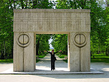 Brancusi's Kiss Gate in Tg. Jiu