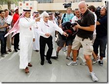Bernie Ecclestone con il principe del Bahrain