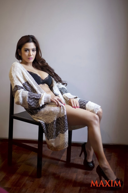 Model Indo IGO Seksi Sisi Salsabila #2