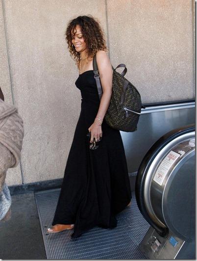 Rihanna Rihanna Returns To LA LX4LPawYvnPl