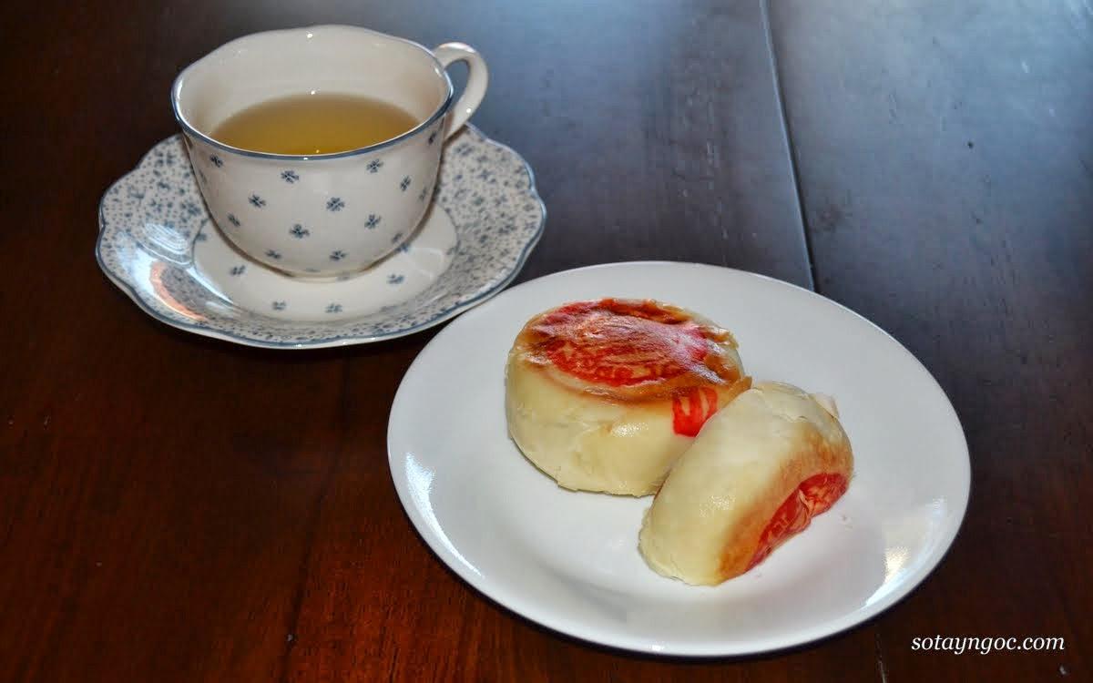 bánh pía - đặc sản Sóc Trăng
