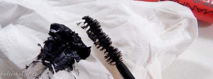 Manhattan Mega Lash Mascara brush