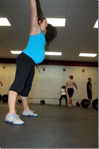 pregnant-workout-exercise-34