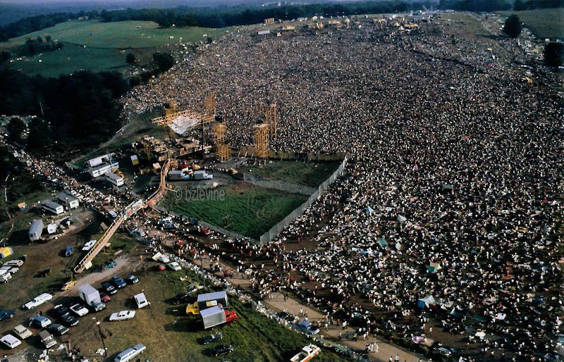 © Barry Z Levine  Woodstock Festival 1969  001.jpg