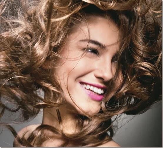 Cacheadas X Lisas. Qual cabelo define seu jeito de ser?