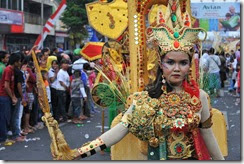 1341772907-extremagination-on-jember-fashion-carnaval-2012_1322665