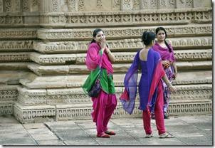 gwalior 068 devant le temple Sasbahu