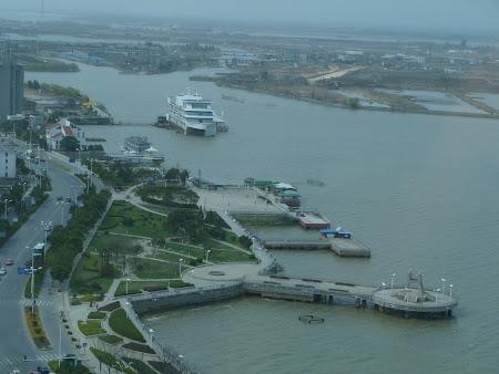 3. Yangtze din hotel.JPG