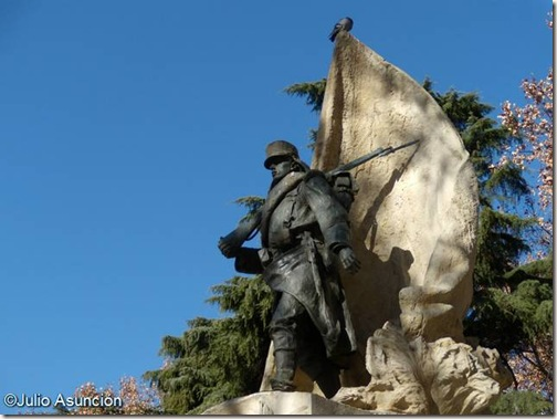 Monumento a Luis Noval - Mariano Benlliure