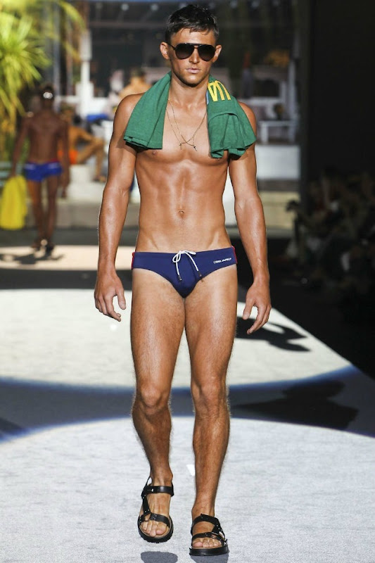 Milan Fashion Week Primavera 2012 - Dsquared² (27)