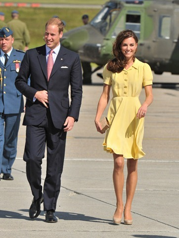 Duchess-Kate-Middleton-in-a-yellow-Jenny-Packham-dress