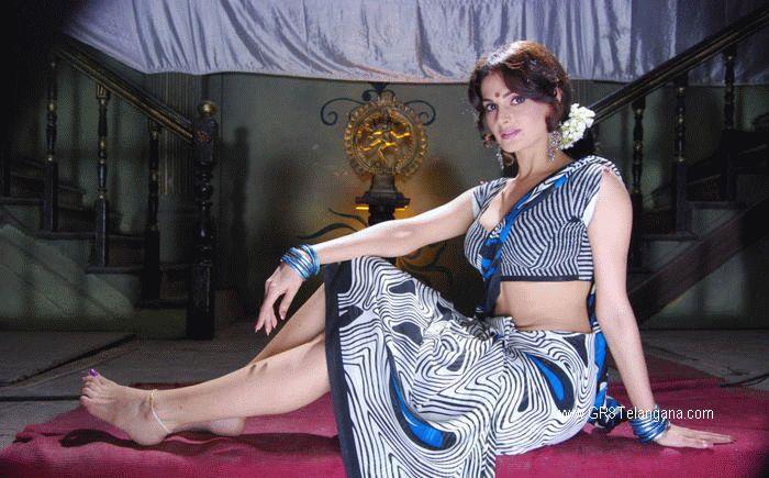 Bedi Sexy Image Monica#4
