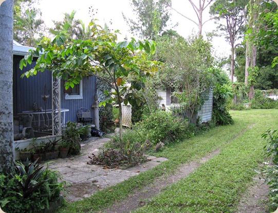 09-27-cottage-east2