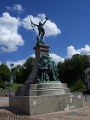 2013.08.04-006 monument aux morts