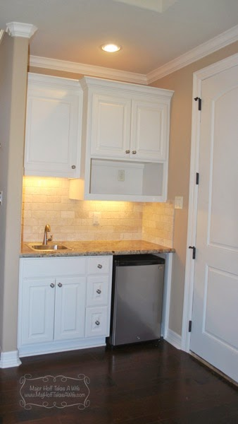 Mini kitchen area in guest house