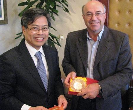 Εθιμοτυπική επίσκεψη του Πρέσβη του Βιετνάμ στην Κεφαλονιά