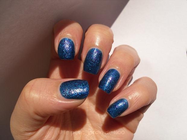 02-accessorize-dream-3d-nail-polish-swatch-review