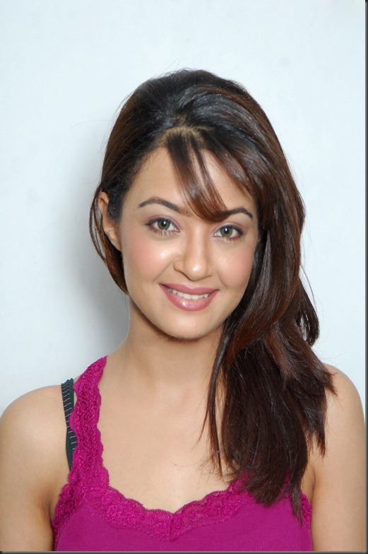 Surveen-Chawla-pic_hot1