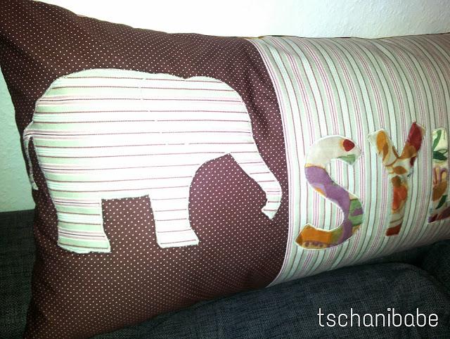Selbstgenähtes Kissen mit Elefant