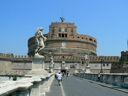 Travel to Rome: visit Angelo Castle