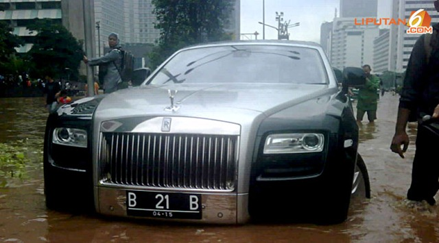 Rolls-Royce-Ghost-8