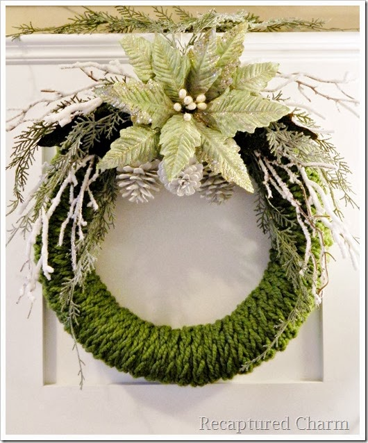 finger knitted christmas wreath16