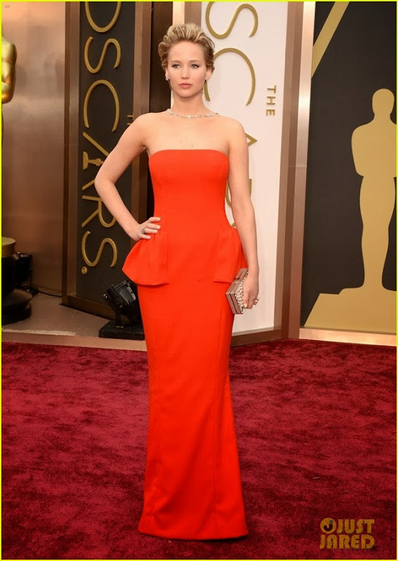 jennifer-lawrence-oscars-2014-red-carpet-01