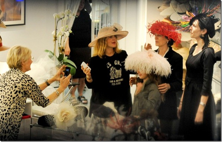 Drew Barrymore Drew Barrymore Tries Wedding RHns1DeUeKYl