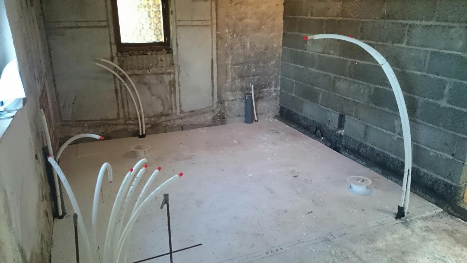 Pippi och ballerinan: Renoveringen -Nu kan man nästan se badrummet ...