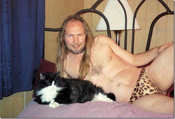 posing-with-animals-people-2